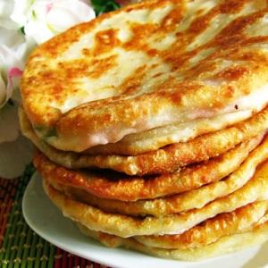 Лепешки с сыром и творогом на кефире на сковороде рецепт