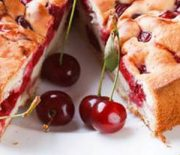 Шарлотка с вишнями — рецепт с фото пошагово в духовке, ингредиенты придающие вкус