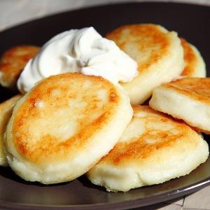 как приготовить вкусные сырники из творога на сковороде