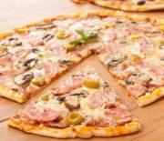 Рецепт тонкого теста для пиццы. Вкусная домашняя пицца порадует всю семью