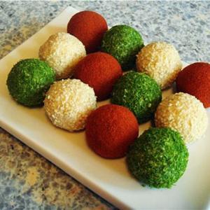 Творожные пончики с зеленью