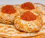 Готовим идеальные ажурные блины на кефире: пошаговые рецепты с фото