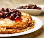 Изумительно вкусно: рецепт тонких блинов на кефире